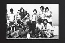 Photo de guilherme avec ses amis après la Révolution Portugaise