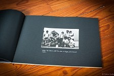 """Image post révolutionnaire de 1974 et symbole de la fin de la dictature dans """"Accepte-le, Un Album portugais 1919-1979"""" de Céline Gaille"""