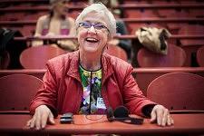 Hilde Lindemann, american philospher bursting into laughter in the amphitheater, ICCEC 2014, Paris. Hilde Lindemann, philosophe américaine, éclatant de rire, dans l'amphithéâtre, ICCEC 2014, Paris.