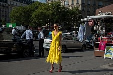 Helena Bordon, brasilian fashion it girl at Trocadero, July 4th 2017.Helena Bordon, it girl brésilienne, au Trocadéro, le 4 juillet 2017.