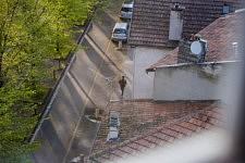 Vue de la fenetre sur la rue depuis le septieme etage, 31 mars 2020.