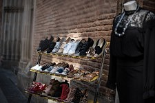 Shoe shop in the center of Toulouse. Etal de chaussure dans le centre de Toulouse.