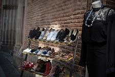 Shoe shop in the center of Toulouse. Etal de chaussure dans le centre de Toulouse.
