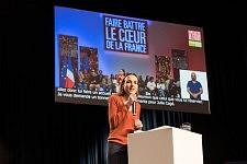 Julia Cagé, french economist speaking before the arrival of Benoit Hamon, Toulouse. Julia Cagé, économiste, tenant son discours avant l'arrivée de Benoit Hamon, Toulouse.