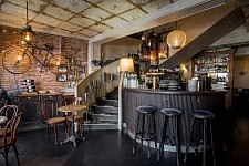 Vue de l'intérieur du Café Maurice, Toulouse, Octobre 2017.