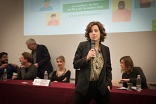 "Claire Alicot,  consultant specialized in communication and image in agribusiness  presenting the conference ""Table ronde Collabor'active"" at Regal Convention 2017, Toulouse. Claire Alicot, consultante communication et image en agroalimentaire présentant la Table ronde Collabor'active  au Salon Regal 2017, le 14 décembre 2017."