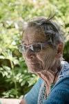 Marie-Claude, militante, bénévole, ancienne professeure des écoles, a construit sa vie dans un engagement solidaire international. Cofondatrice et toujours membre de l'Association ACARM09, elle continue d'aider les familles de migrants notamment pour sauver les enfants, Engomer, Ariège
