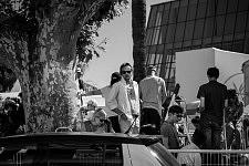 Man waiting for the opening of the Cannes Film Festival 2017, at the Palais des Congrès. Homme attendant l'ouverture du Festival de Cannes 2017 à l'extérieur du Palais des Congrès.
