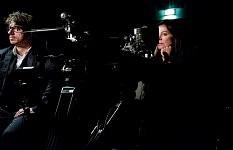 Marianne Denicourt dans son rôle de réalisatrice et Thomas Lacoste réalisateur, Notre Monde de Thomas Lacoste, 2012.