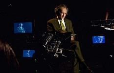 Christophe Dejours, psychanalyste sur le tournage de Notre Monde de Thomas Lacoste, 2012.