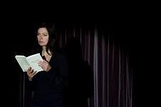 Scène du film Notre Monde avec Marianne Denicourt à L'ENS, 2012.