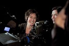 Irina Lubschantsky, directrice de la photographie et Marianne Denicourt sur le tournage de Notre Monde de Thomas Lacoste, 2012.