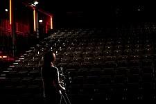 Scène du film Notre Monde de Thomas Lacoste avec Marianne Denicourt, 2012.