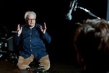 Le Philosophe Etienne Balibar sur le tournage de Notre Monde de Thomas Lacoste, 2012.