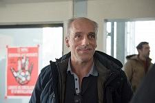 Philippe Poutou arriving in the entrance hall near the amphitheater 9 at the Université du Mirail, Toulouse, Feb 24, 2017.Philippe Poutou arrivant dans le hall d'accueil près de l'amphi 9 à l'université du Mirail, Toulouse, 24 février 2017.