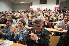 Students and activists clapping in the audience listening to Philippe Poutou, Université du Mirail, Toulouse, Feb. 24, 2017.Etudiants et militants dans le public applaudissant Philippe Poutou, Université du Mirail, Toulouse, 24 février 2017.