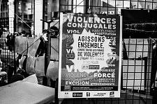 Poster from the Toulouse city hall counsel for the equality between men and women. Affiche du comité consultatif de la mairie de Toulouse pour l'égalité entre les hommes et les femmes.