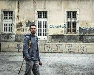 Romain, militant pour un accueil digne des migrants en Ariège a lui même beaucoup voyagé et fait l'expérience d'être un étranger sans ressource ailleurs, Saint-Girons, Juin 2019.