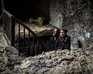 L'ancrage familial s'est fait sentir après quatre années d'expérimentation : Lucie et Sébastien vont rebâtir une maison de pierre pour enraciner un temps leur foyer, Durban sur Arize, octobre 2020