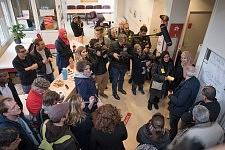 Crowd of residents, activists and journalists around Philippe Poutou, in the dermatological buiding, Hopital de la Grave, Toulouse, Feb. 24, 2017.Foule des résidents, des militants et des journalistes entourant Philippe Poutou, dans le bâtiment de dermatologie, Hopital de la Grave, Toulouse, le 24 février 2017.