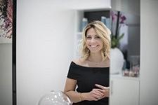 Portrait of Lucie Leclerc, young hairstylist and entrepreneur based in Toulouse, April 2017. Portrait de Lucie Leclerc, créatrice de son propre salon de coiffure, installée à Toulouse, Avril 2017.