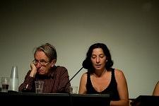 Les philosophes Jacques Rancière et Marie Gaille pendant la Journée sur l'exclusion des Roms et contre le racisme d'état à la Maison de l'Arbre à Montreuil, septembre 2010.