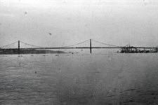Sur le Tage, face au Pont du 25 avril, le large au loin, 2015