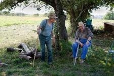 Two old men talking near the field before the beating , Saint-Martin Cantalès, 2009. Deux papis discutant près du champ avant le battage, Saint-Martin Cantalès, 2009.