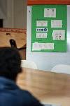 Health workshop on sexual reproduction held by a volunteer doctor for the foreign minor kids of the association Hors La Rue, Montreuil. Atelier Santé sur la reproduction sexuelle donné par une femme médecin bénévole pour les mineurs étrangers à l'association Hors La Rue, à Montreuil.